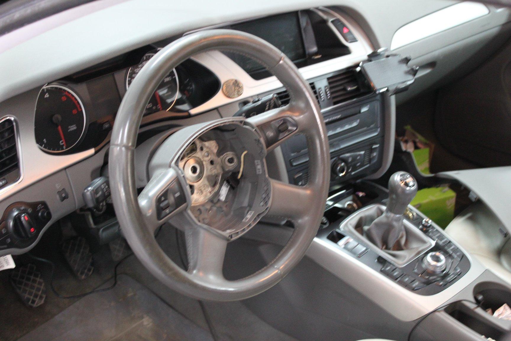 AUDI A4 B8 2009 2.0 TDI